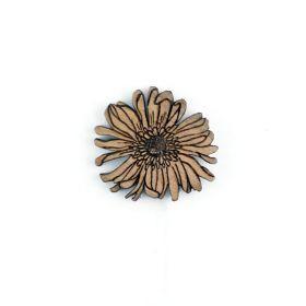 Pin's boutonnière en bois de noyer gravé fleur des champs