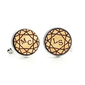 boutons de manchette en bois personnalisables gravé diamant et initiales