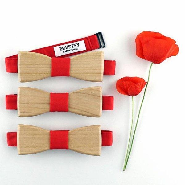 noeud papillon en bois de merisier et tissu rouge coquelicot