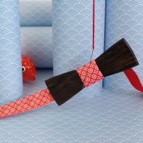 Noeud papillon en bois d'ébène et coton rouge et blanc